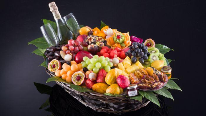 סלסלת פירות - קסם האירוח