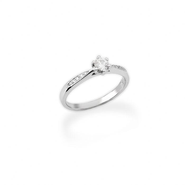 טבעת אירוסין יהלום ושיבוץ