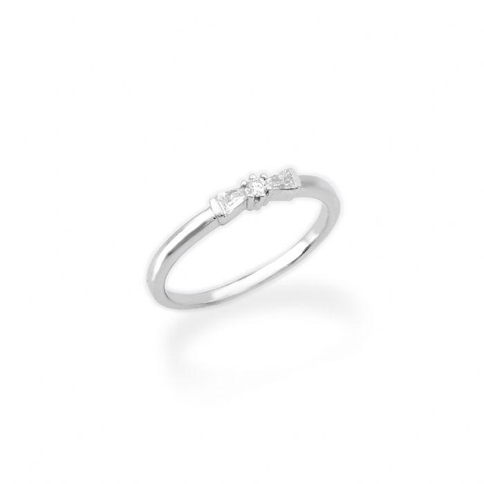 טבעת אירוסין פפיון עם שיבוץ אבנים
