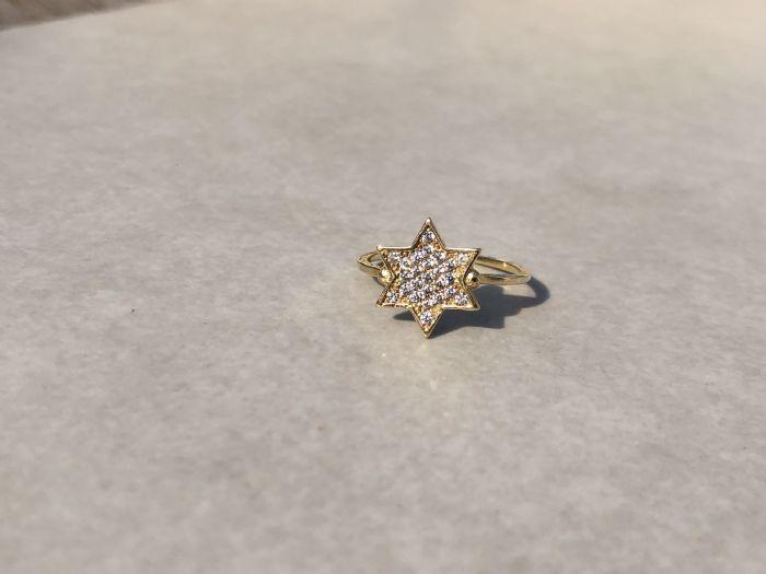 טבעת כוכב זהב צהוב 14קרט משובצת זרקונים
