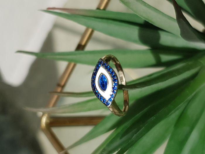 טבעת עין זהב 14K מעוצבת משובצת אבני חן .