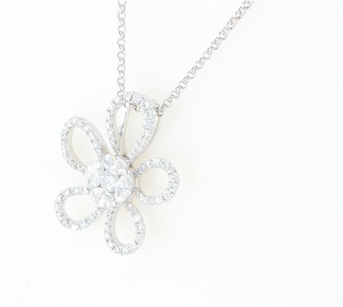 תליון פרח יהלומים מיוחד עם אבני מרקיזה במרכז