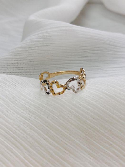 טבעת לבבות זהב צהוב ולבן