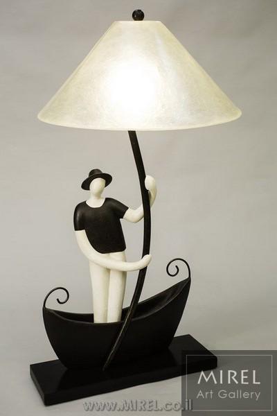 """מנורת שולחן מעוצבת """"השייט"""""""