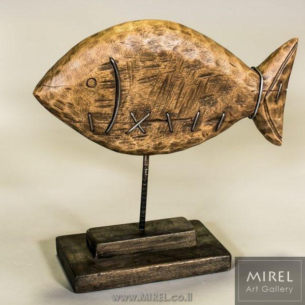 פסלון דג עץ