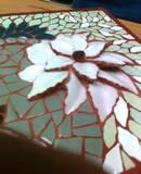 """תקריב מתוך פסיפס""""פרח לבן """"- פורצלן White Flower - porcelain 35X35"""