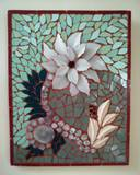 תמונת פסיפס -פרח לבן - מיחזור צלחת פורצלן  - White flower -  Recycling porcelain plate