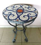 רבקה - שולחן פסיפס - ספירלות בכחול