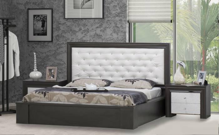 חדר שינה: מיטה זוגית ושידות נבאדה