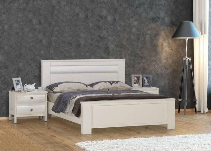 חדר שינה: מיטה זוגית ושידות לונדון