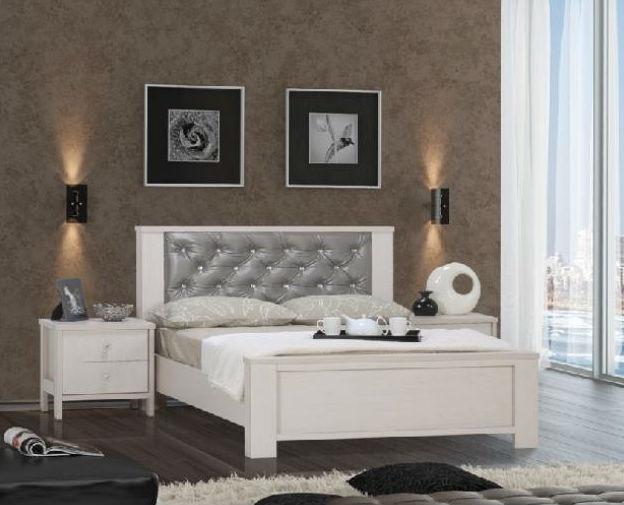 חדר שינה: מיטה זוגית ושידות סטאר