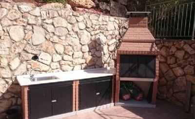 גריל בואנוס איירס עם ארובה ומטבח חוץ בריקים