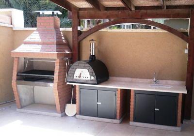 מנגל ארגנטינאי עם טאבון ומטבח בנוי עם ארובה