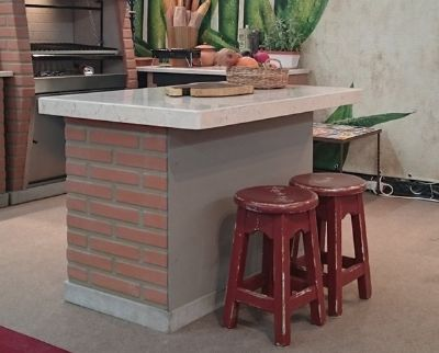 שולחן אי מבטון בבריקים