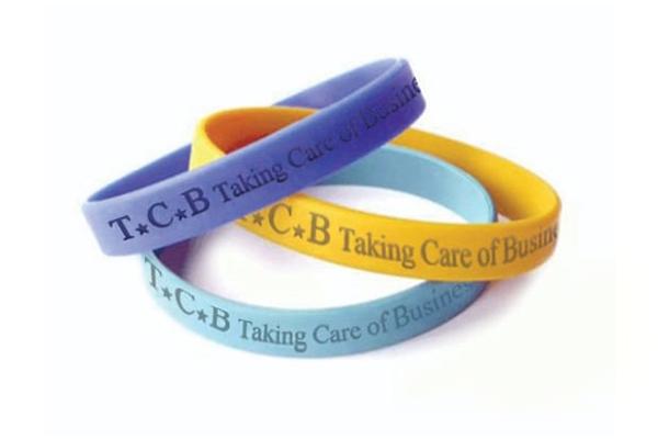 צמיד סילקון ממותג T.C.B